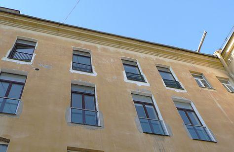 steklyannoe-ograzhdenie-balkonnyh-dverey